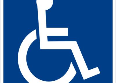 Construtora que lotou trabalhadores com deficiência longe dos canteiros é absolvida de dano moral coletivo